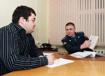В какие сроки должен проводиться опрос свидетелей при подаче заявления в полицию
