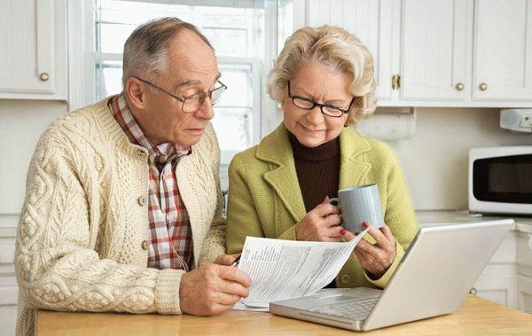 Должен ли пенсионер платить налог на землю за гараж